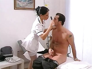 Alluring brunette chick Sofia Bach pleases her doctor with facial