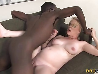 Black Arabs Justly Bustin Chick Wants Pussy And Cock
