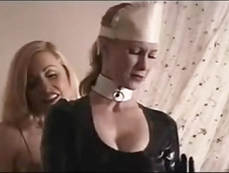 Awesome slave on leash toyed while hiding in guestâõ
