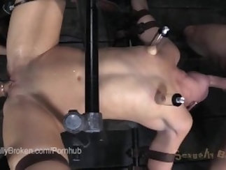 Wife gives her horny step daughter a big cumshot infront of her bed