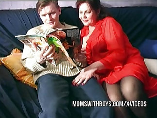 Mature ladies showing their old cunts prior to hot sex