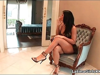 Big round ass latina gets toying pussy