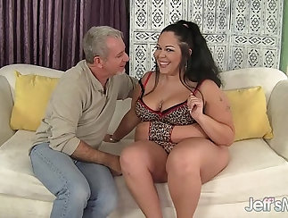 Milf Malle flashes her wicked big boobs